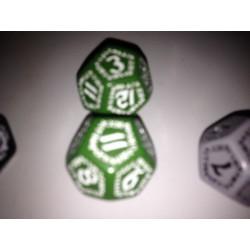 Dado 12 verde con símbolos...